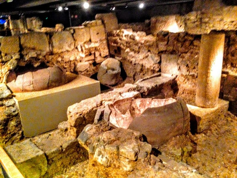 Ruins history museum barcelona