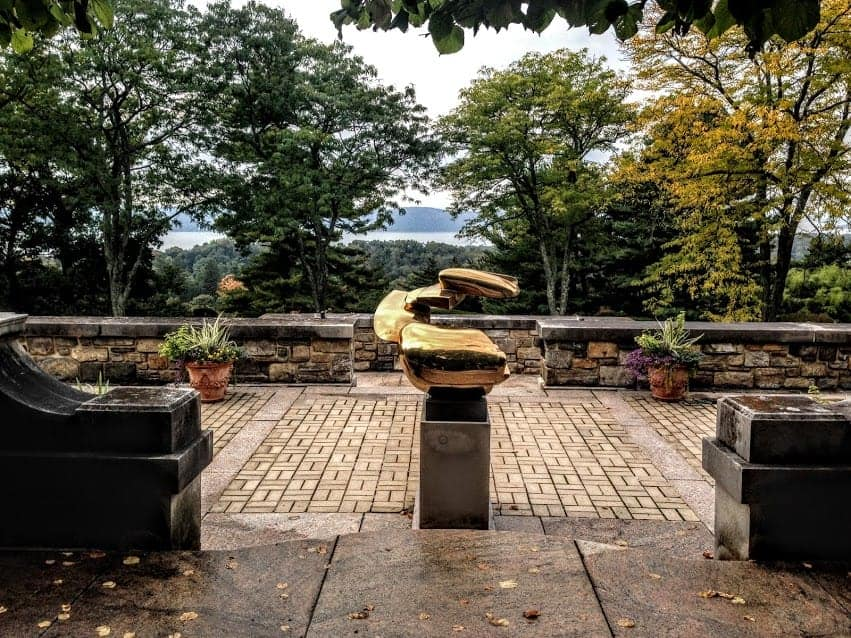 24 Hours in Tarrytown New York kykuit sculpture