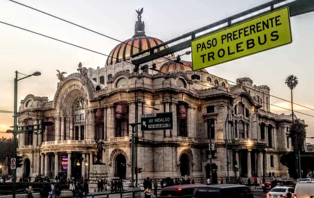 24 hours in Mexico City palacio de bellas artes