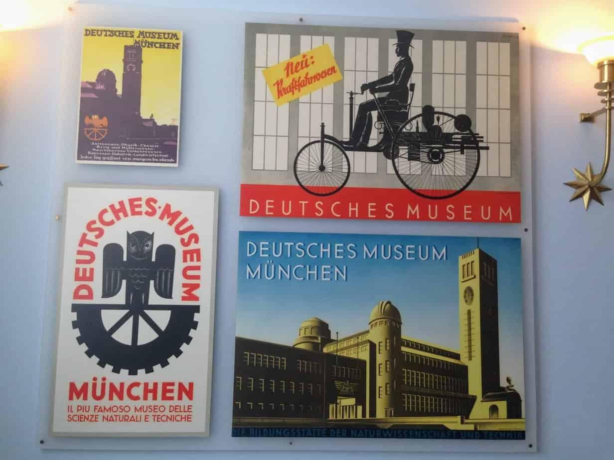 Deutsches Museum Sign 24 hours in Munich