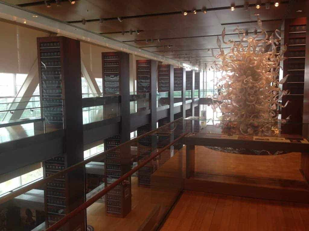 Dale Chihuly Clinton Library