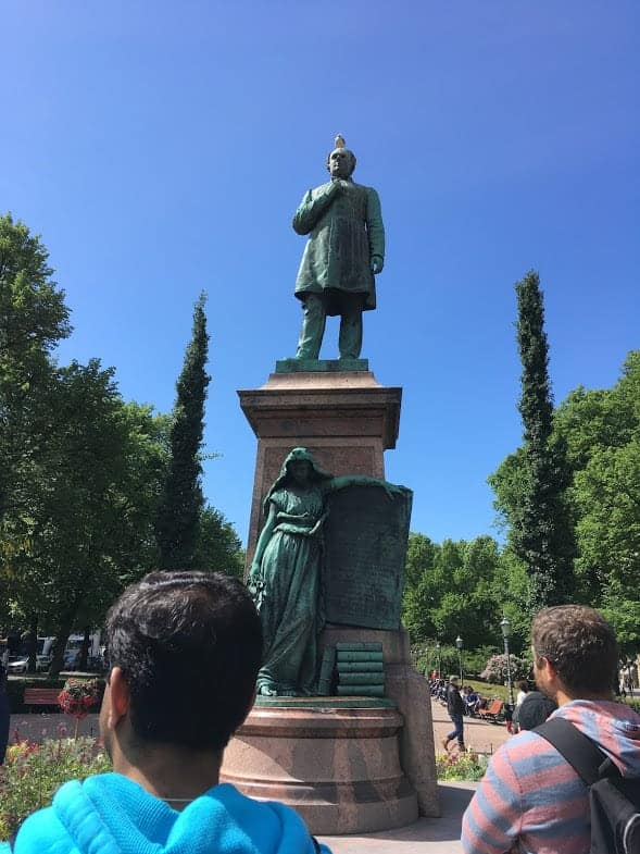 Runeberg Statue Esplanadi Park