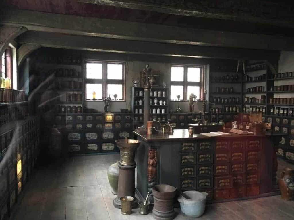 apothecary den gamle by