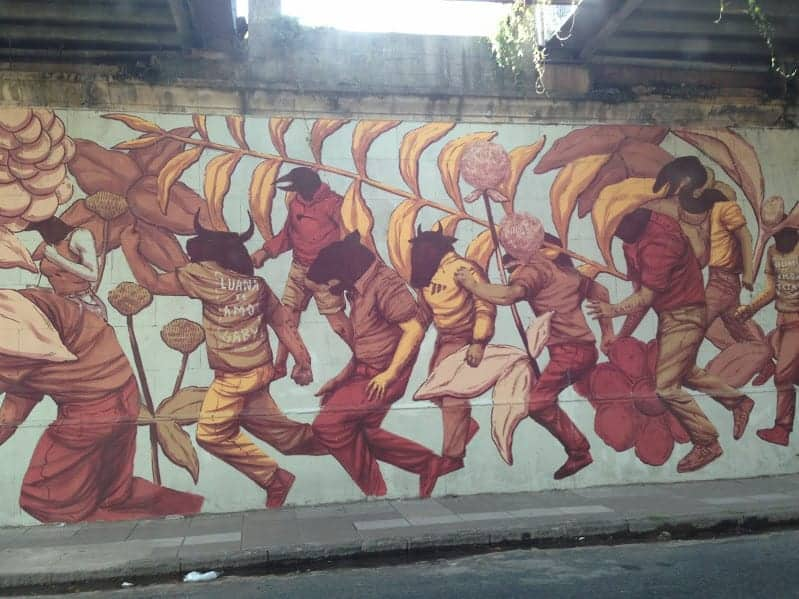 buenos aires street art  soccer