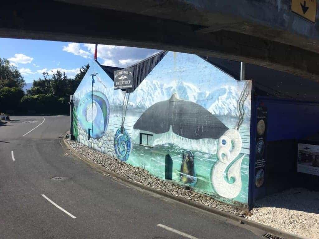 whale mural kaikoura