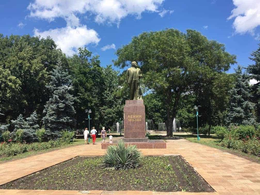 lenin statue bender transnistria