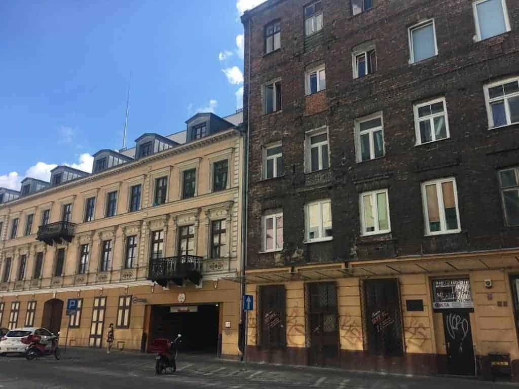 praga old buildings