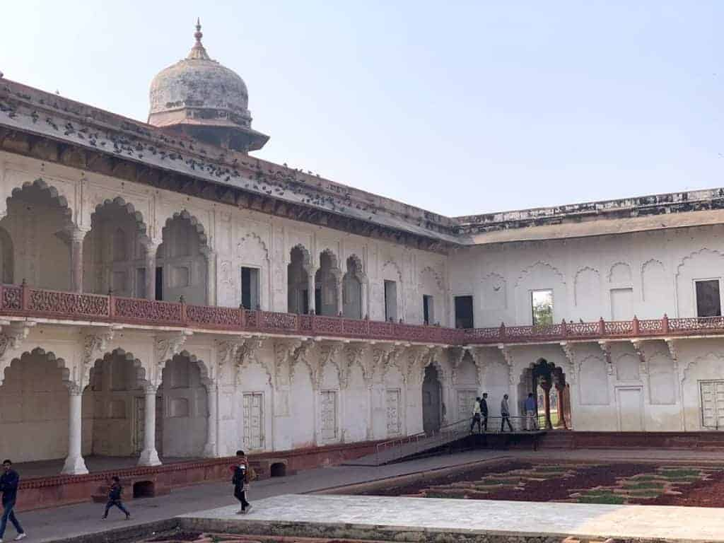 agra fort white
