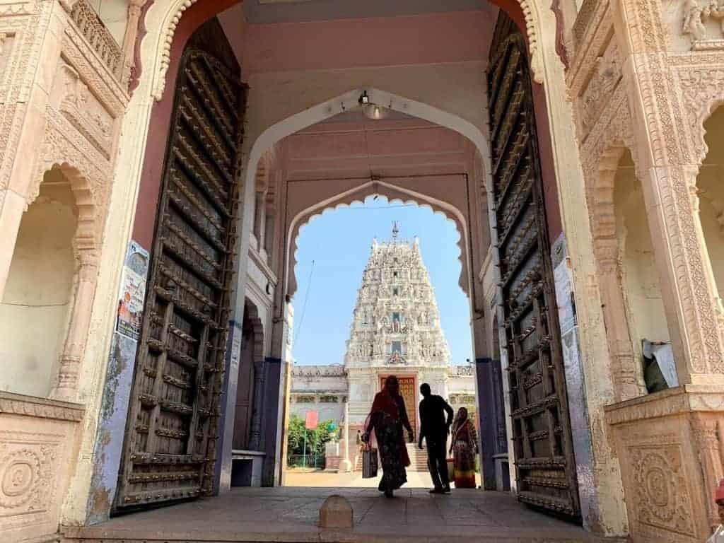 pushkar lake temple