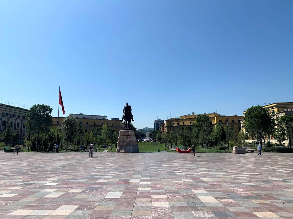 one day in albania walking tour